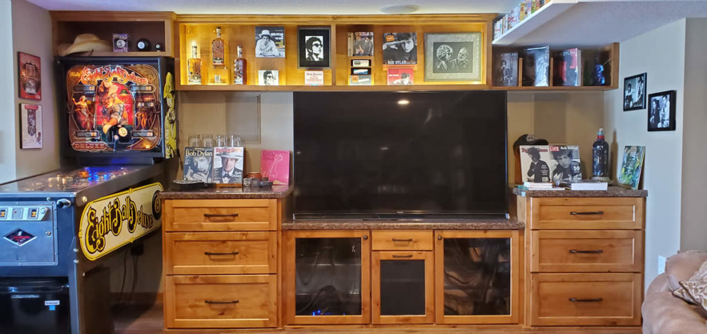 Entertainment Center 2020
